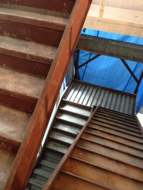 Achieve Both Elegance and Functionality with Steel Stairs